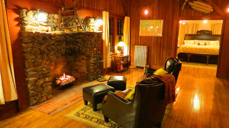 The perfect romantic, yet rustic retreat...minutes to Sunapee!