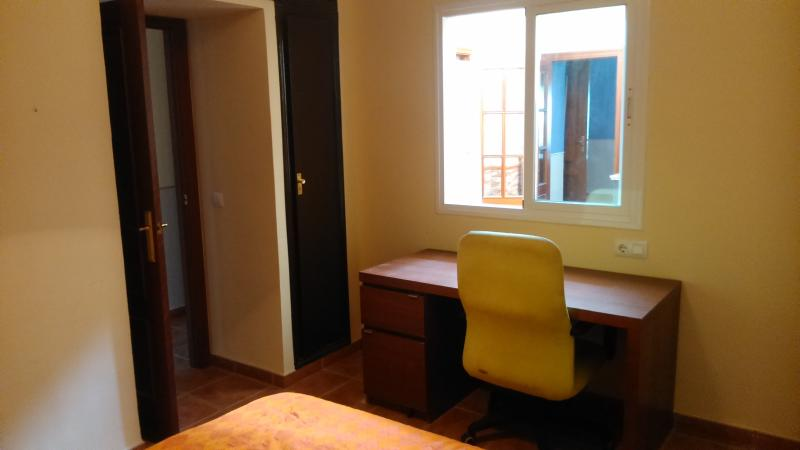 Double bed bedroom desk.