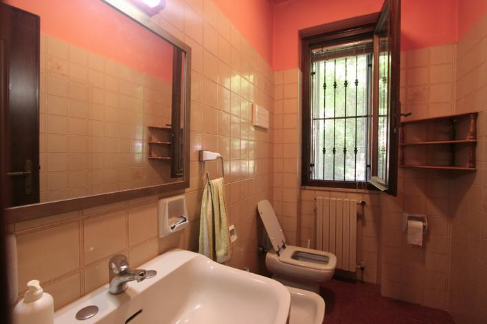 bathroom on second floor
