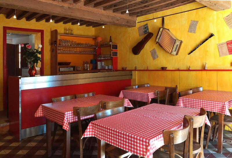 Gîte de groupe jour de fête, holiday rental in Paray Le Monial
