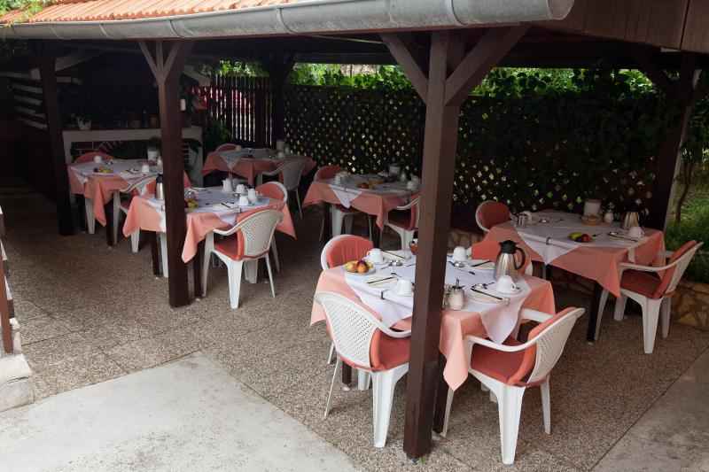 area for breakfast