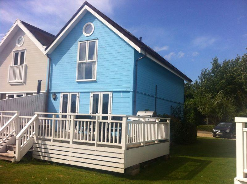 3 Bedroom New England Style Lodge House, holiday rental in Poulton