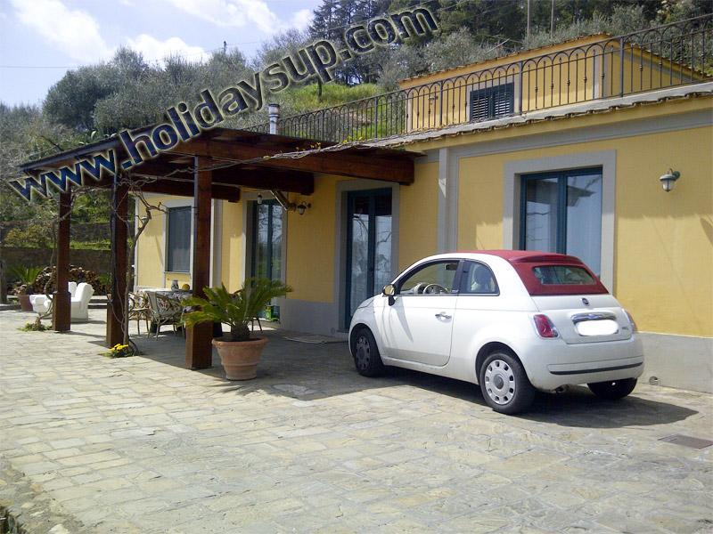 Villa sorrento amoulu pensionat med uteplats, koppla av och pool i massa lubrense kusten med havsutsikt