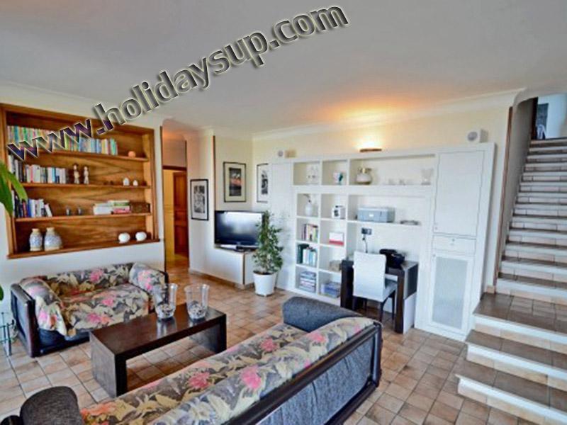 Villa Amolu i amalfi kusten stuguthyrning boka vardagsrum och uteplats koppla av med havet Visa vrbo