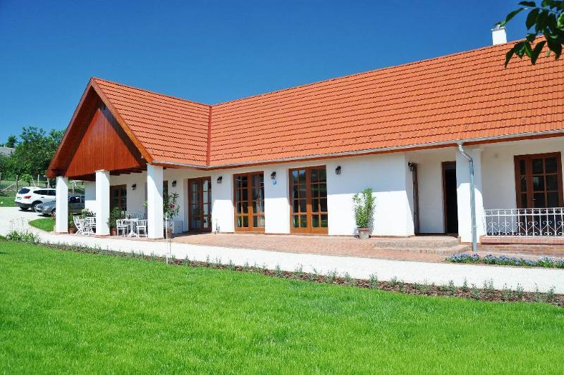Berky Kuria, holiday rental in Tolna County