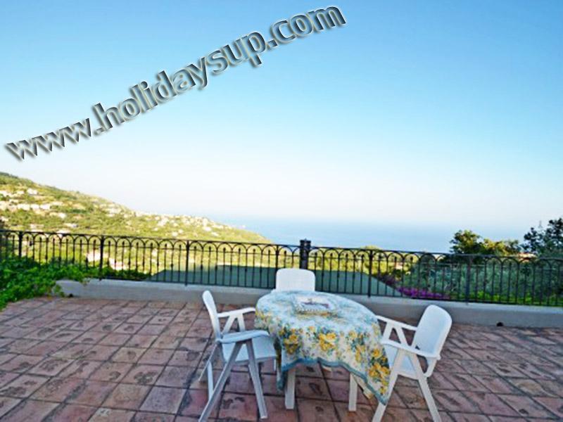 Villa med pool sorrentoholidays med terrass och havsutsikt i massa lubrense kusten bokning hyror