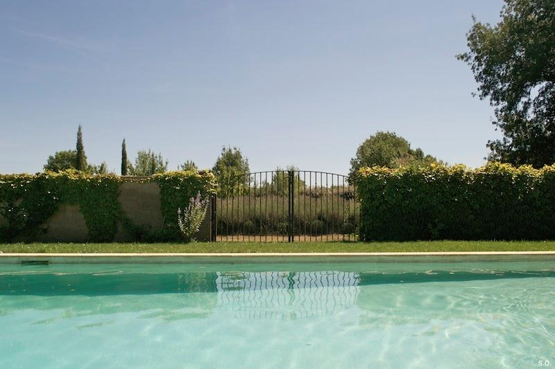 Gite Lavender - Studio Apartment and Artist Retreat in Provence, holiday rental in Alleins