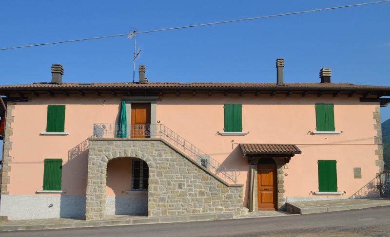 Ca' Baruffi a Lizzano in Belvedere, vacation rental in Chiesina-Farne
