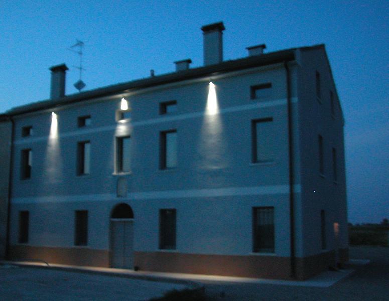 Corte Mondina - Red Room, aluguéis de temporada em Asola