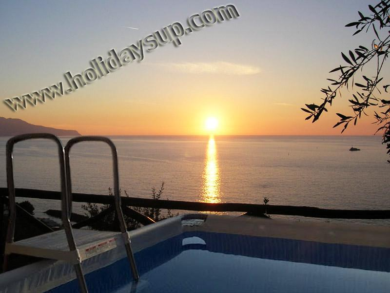 Amazing villa ith private pool, large terrace with pizza oven, isle of capri view in sorrento coast