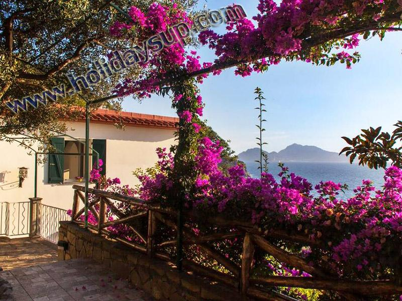 Villa Nilly entrance with private swimming pool and amazing terrace with capri island view sorrento