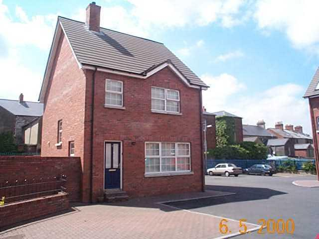 Ashley Mews 4 Bedroom Townhouse, vacation rental in Belfast