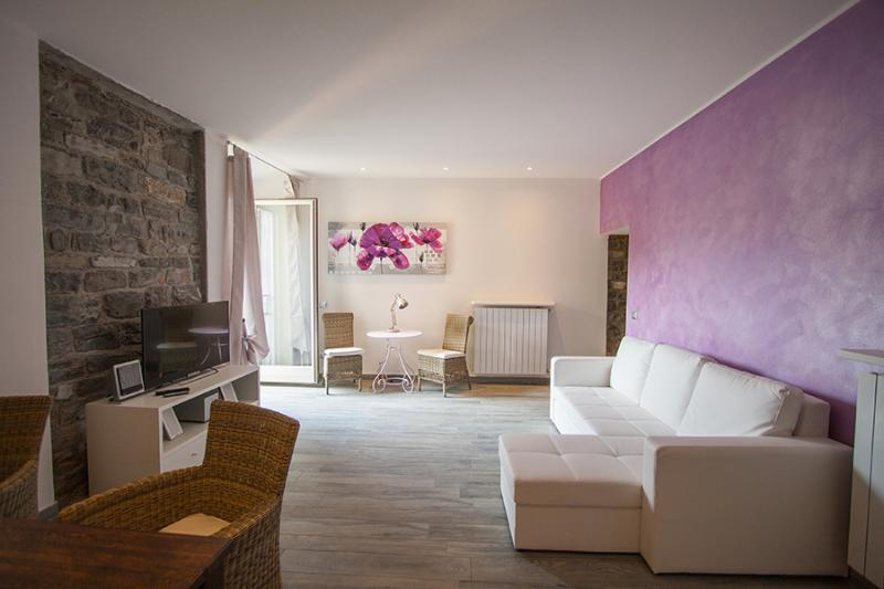 Charming romantic new in the heart of the old town, vacation rental in Bellagio