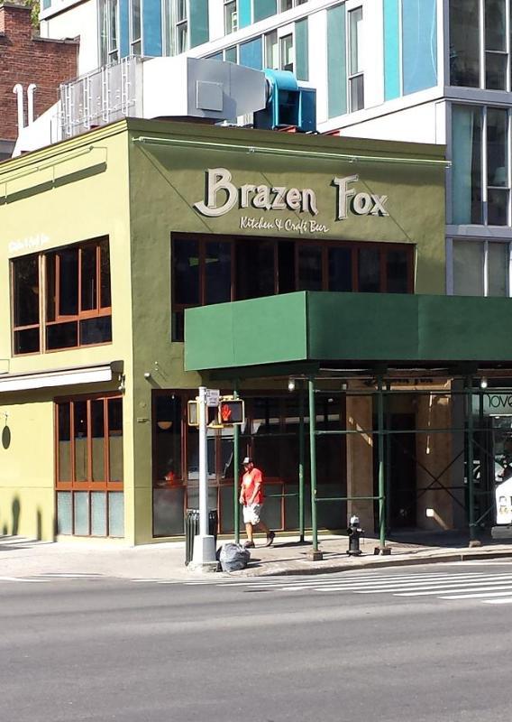 Brazin' Fox craft beer bar and restaurant