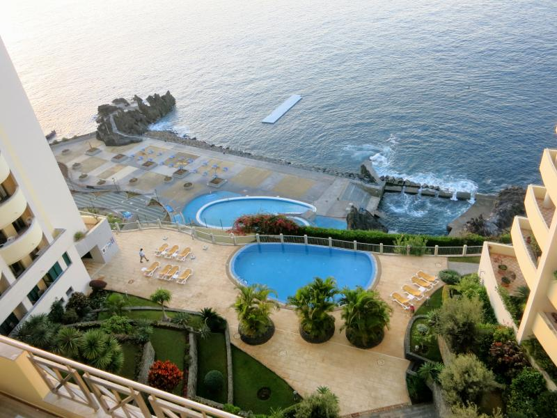 Superior Rentals - LIDO & BEACHES, holiday rental in Madeira