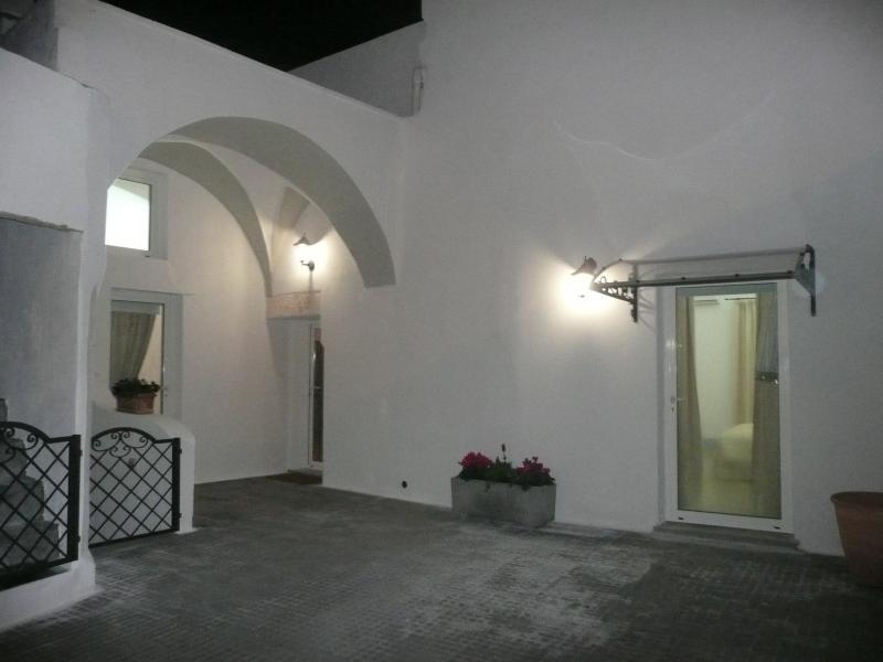 Casa a corte con giardino privato, vacation rental in Taurisano