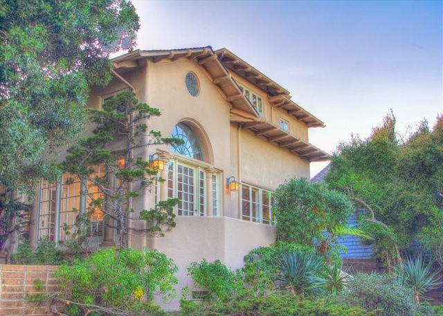 Welcome to 'Villa Escondido'! Built in 1925 - On the Local Historic Register. Pet Friendly!