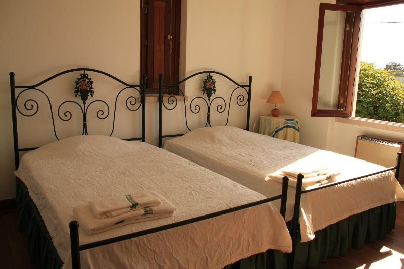 Twinbedroom avec belle vue sur le jardin