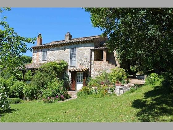 Country House With Views Over The Hills Of Umbria, holiday rental in San Liberato