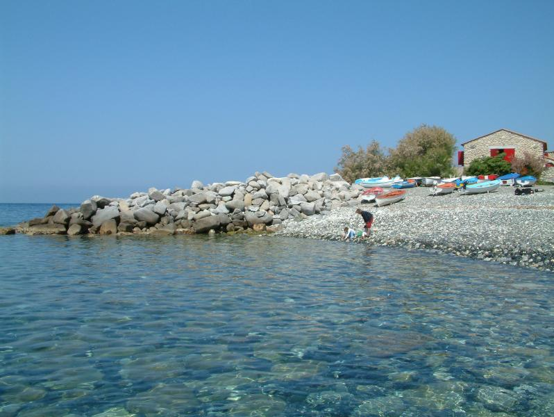 pieds dans l'eau, vacation rental in Chiessi