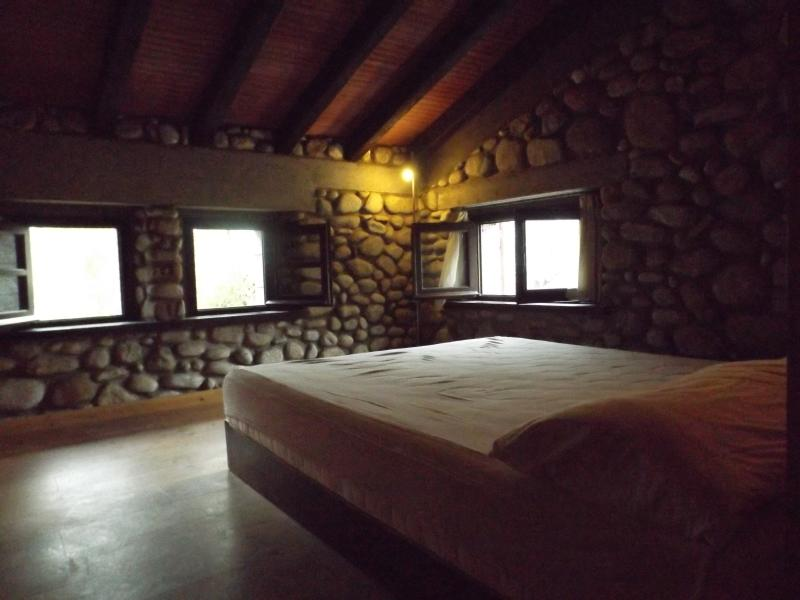 one queen size bedroom on the loft