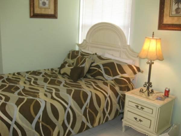 Charming Studio - Steps to Lido Beach, holiday rental in Sarasota