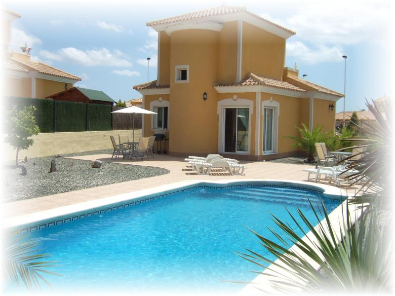 3 Bed Luxury Private Villa with Private Pool, vacation rental in Mazarron