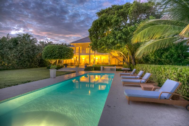 Elegant Oceanfront Villa with outstanding views in Puntacana Resort & Club, holiday rental in Higuey