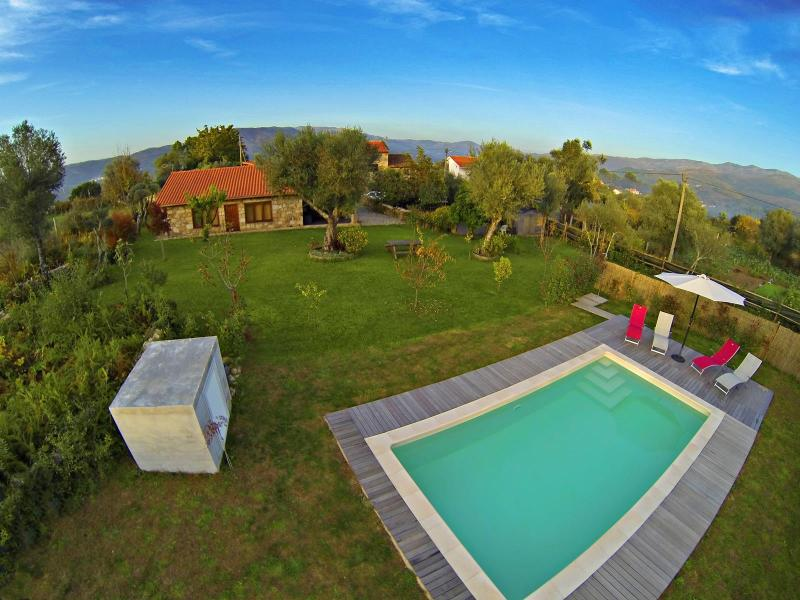 The Reborido House is situated in the village of Barral, about 6 km from the village of Ponte da Barca.