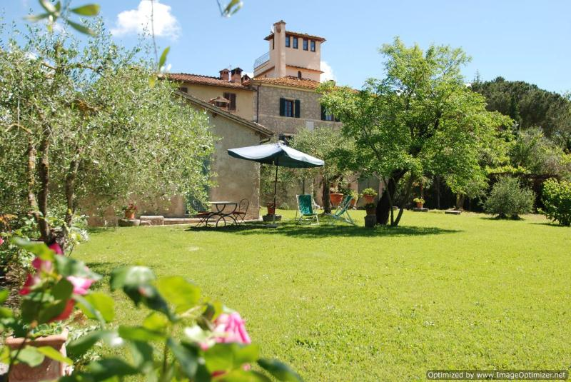 Il Lupino Ville di Corsano cottage rental, holiday rental in Brucciano