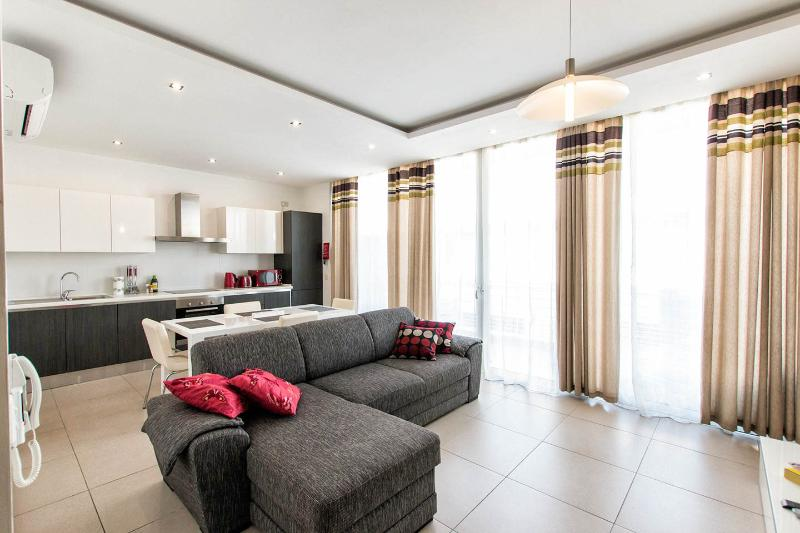 Modern Luxury Penthouse in Sliema, holiday rental in Sliema