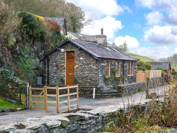 THE LODGE, stone-built, detached, hot tub, pet-friendly, romantic retreat, near, casa vacanza a Backbarrow