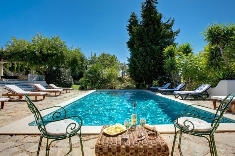 Casa Mouraria zwembad overdag