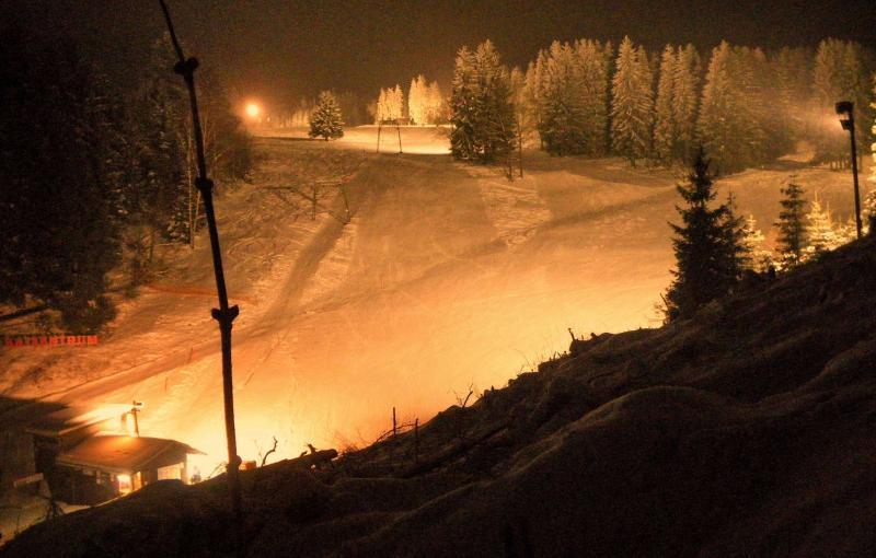 Ski pistes floodlit