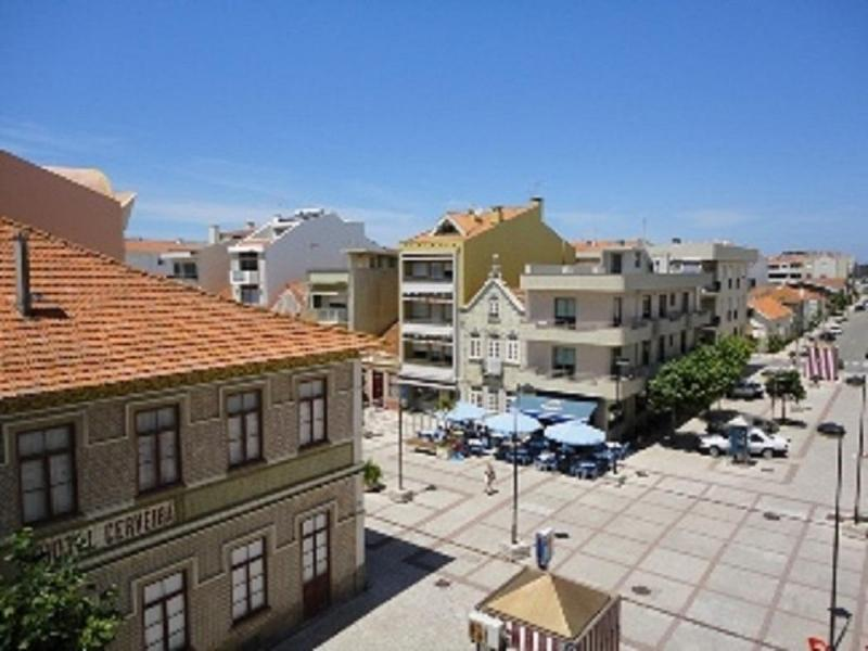 Aveiro's flat (Furadouro Beach) near O'Porto city, vacation rental in Torreira