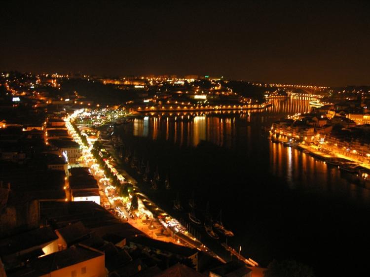 O'Porto city by night - Ribeira