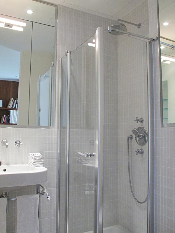 Rain shower stall, hand held shower, Andre COUREGE 100% cotton towels & face mit