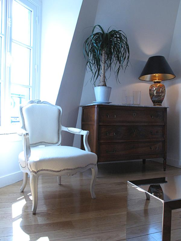Antique chest of drawers+Japanese lamp & armchair. PEREGALLI mirror table