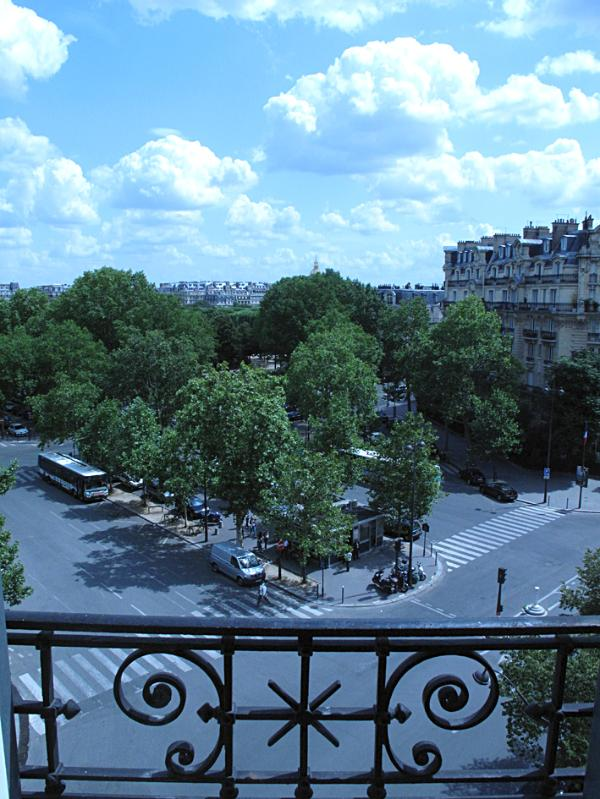 Champs de Mars + open view of the so typical dressed stone buildings of Paris