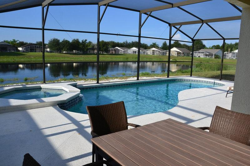 4BR South facing pool villa !! Great view !!, location de vacances à Lake County