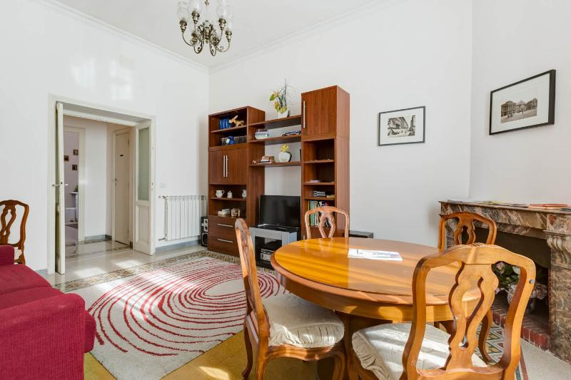 Casa Anna Holiday Apartment Rome, Vatican - Wi-fi, holiday rental in Vatican City