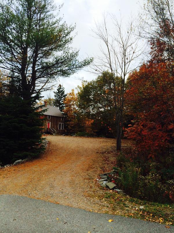 Fall colors entrance to the Cherry Dip Cottage