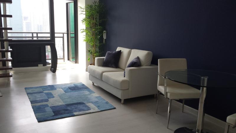 Makati - Gramercy Residences 1 BR Loft Apartment, casa vacanza a Makati