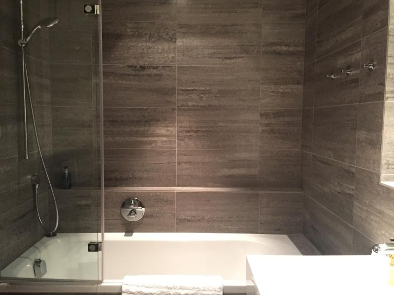en suite with bath and WC