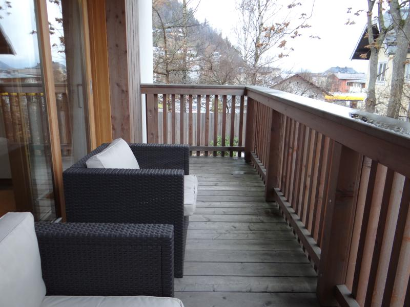 balcony with outdoor seating