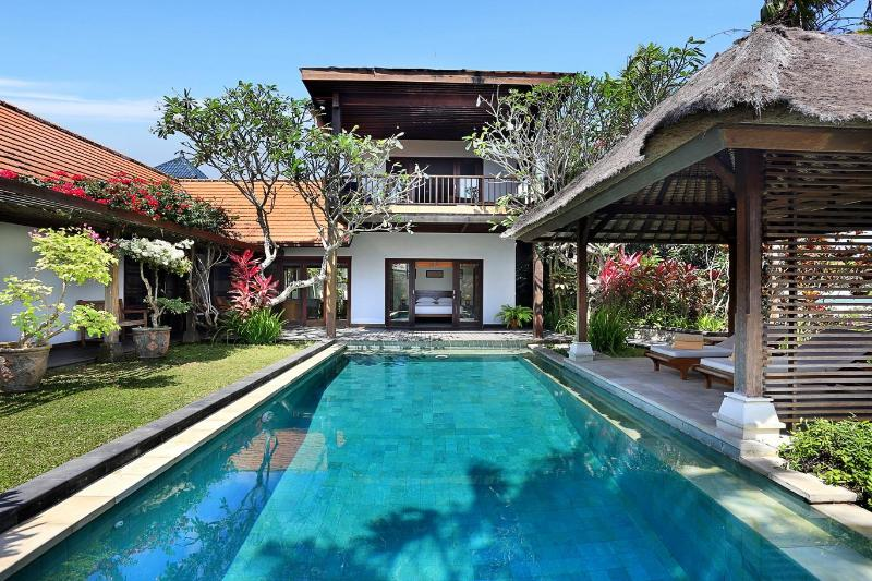Villa Margarita- NEW Style and luxury on the coast, holiday rental in South Kuta