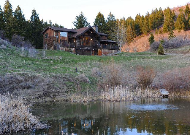 Wonderfully private lodge in the Bridger foothills - with a pond!