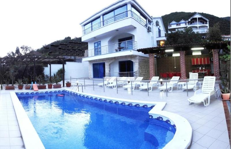 Villa Djenovici, holiday rental in Herceg-Novi Municipality
