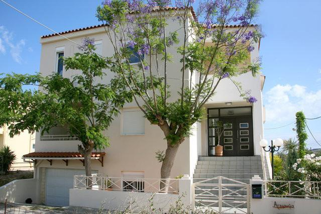 ARMONIA APARTMENTS-2, holiday rental in Almyrida