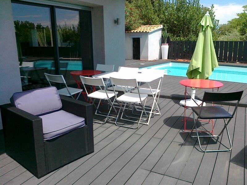 Une villa pour 6 personnes -  soleil -- détente - piscine - jacuzzi -   marches a pied dans les vign